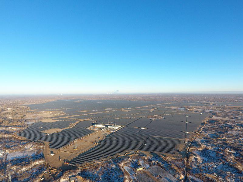 陕西榆林300MW光伏发电项目.JPG