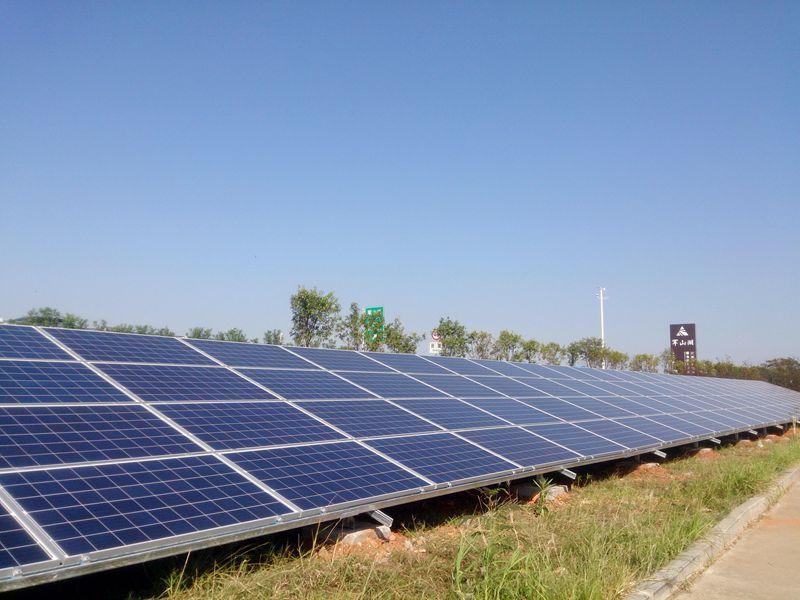 江西省高速公路分布式光伏发电工程(一期)边坡光伏.jpg